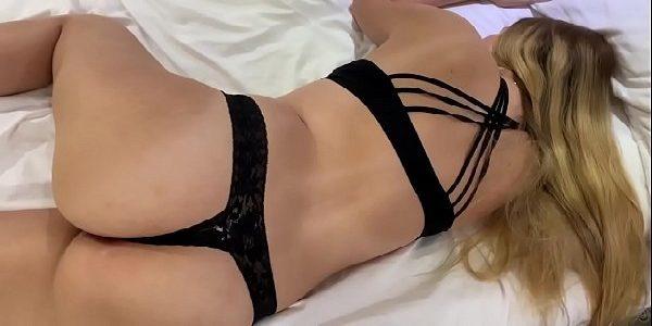 Fudendo a loira peituda gostosa porno
