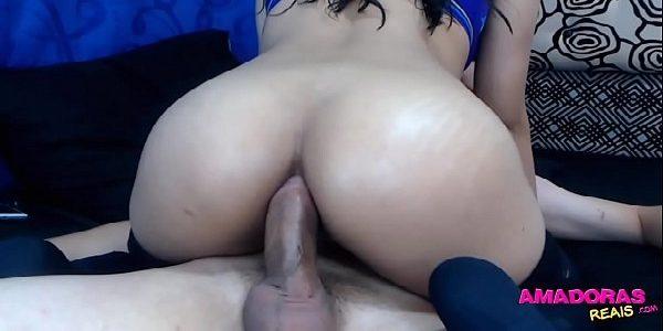 Morena bunduda sentando de cuzão no caralho