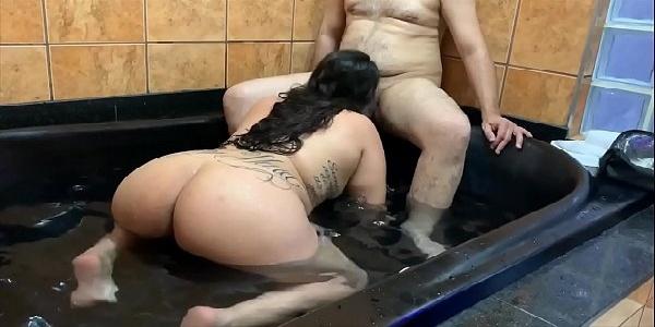 Sexo amador no motel com esposa metedeira