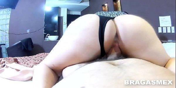 Rabuda casada trepando gostoso no sexo quente