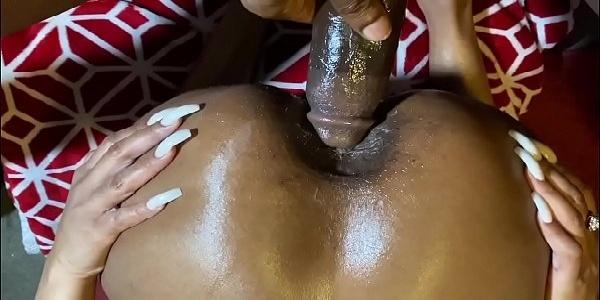 Caralho enorme no cú da mulata fogosa gostosinha sexo anal