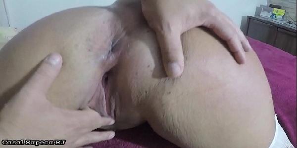 Marido metendo forte na buceta da coroa tarada por sexo