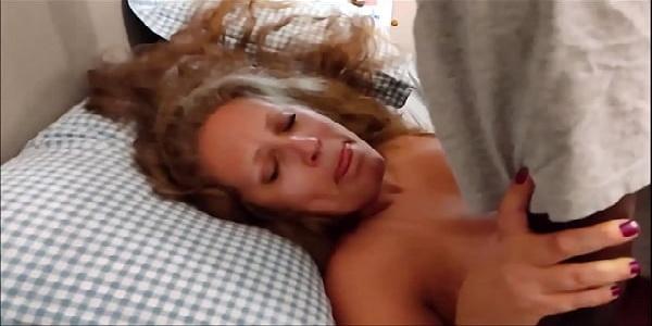 Vídeo caseiro  negro caralhudo  super dotado comendo a coroa loirinha tesuda  putona safada